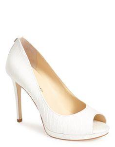 sophisticated peep toe pumps  http://rstyle.me/n/vrtbnpdpe