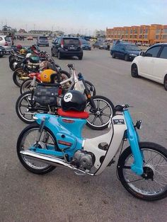Honda Cub, Motorcycle Outfit, Motorcycle Bike, 50cc, Classic Bikes, Cub Scouts, Vespa, Toys For Boys, Motocross