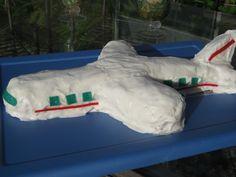 Airplane Cake from themuffinanne.com