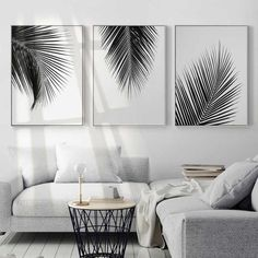 Black and white leaves - evasdecor.com #homedecoronabudgetbedroom