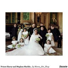 We finally have the official royal wedding portraits for Prince Harry and Meghan Markle. Here are the ways it differs from Kate Middleton and Prince William's Royal Wedding in Prince Harry Et Meghan, Meghan Markle Prince Harry, Princess Meghan, Harry And Megan Markle, Princess Photo, Harry And Meghan Wedding, Meghan Markle Wedding, Prince Harry Wedding, Herzog