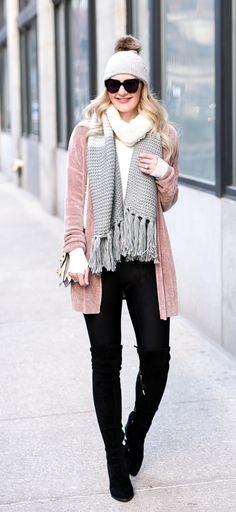 Everyone looks 10 times cuter in a pom beanie. Today's blush cardigan, white thermal, and black leggings make for the perfect weekend outfit! Boho Fashion, Winter Fashion, Womens Fashion, Fashion Design, Dress Shoes, Shoes Heels, Weekend Outfit, Female Fashion, Girls Eyes