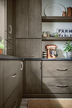 #Kitchen #cabinetry #ideas and #inspiration! Be inspired by these #rustic #farmhouse kitchen #cabinet #designs as you plan for your #home #remodel & #renovation. #butler's #pantry
