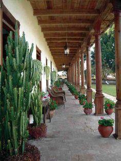 Chiapas, La Trinitaria, Parador-Museo Santa Maria, Corredor principal - Photo by German Murillo-Echavarria 0406