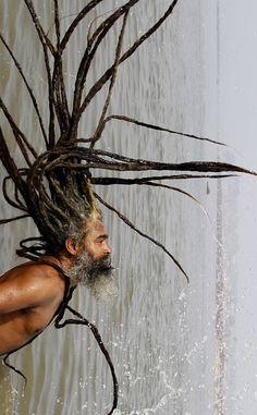 dreadlocks + water = fun shenanigans!! One Luv +dreadstop / @DreadStop #dreadlocks