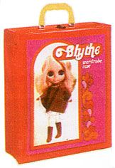 Blythe kenner doll 1972 Wardrobe Case. Were only sold for one year in the U.S. #Kenner #Blythe doll only become popular some 30 years later.