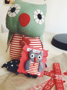 mi amiga invisible -el Blog de la Grula-me envió un broche de fimo hecho por ella y a imagen y semejanza de uno de los primeros muñecos de leo!  Anna de Fans de lo Mini