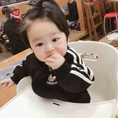 Image may contain: 1 person, sitting Cute Asian Babies, Korean Babies, Asian Kids, Cute Babies, Cute Chinese Baby, Chinese Babies, Cute Baby Boy Photos, Baby Pictures, Cute Little Baby