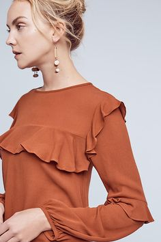Raccolto Ruffle Blouse: nice style, color is just ok Fall Outfits, Casual Outfits, Fashion Outfits, Ruffle Shirt, Mode Hijab, Work Attire, Blouse Designs, Dress To Impress, Look