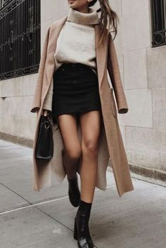 Fashion The perfect fall outfit, black and nudes Herbst-Stil Black Women Fashion, Look Fashion, Trendy Fashion, Trendy Style, Dress Fashion, Hipster Fashion, Cheap Fashion, Fashion Clothes, Fashion Skirts