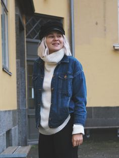 Love love love the combo of turtleneck and a denim jacket . Design Your Own, What I Wore, Vest, Turtle Neck, Style Inspiration, Denim, My Style, Instagram Posts, Jackets