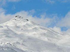 #AmazingAccom #holidayhomes Luxury Accommodation, Mount Rainier, Volvo, New Zealand, Mount Everest, Mountains, Holiday, Nature, House