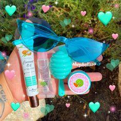 Best Lip Gloss, Diy Lip Gloss, Lip Care, Body Care, Glitter Lip Gloss, Face Skin Care, Cute Makeup, Health And Beauty Tips, Skin Tips