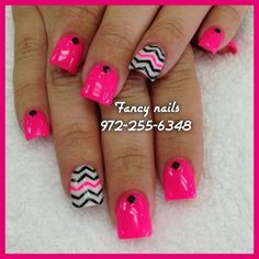 chevron nails<3