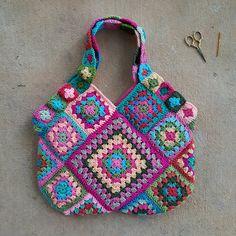 flamingo inspired granny square crochet bag, crochebug, crochet purse, crochet squares, flamingo palette,