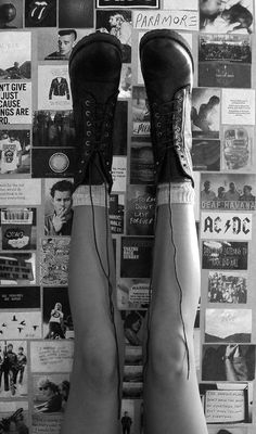 Dr Martens lace-up boots - http://ninjacosmico.com/18-must-have-grunge-accessories-clothing/7/
