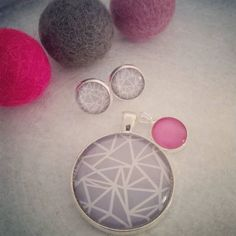 Working on a custom made order for a customer. If you've got an idea in mind let me know and I can transform it into stunning piece of jewellery. #necklaces #handmade #lillybirddesigns #affordable #giftidea #qualityaccessories #pendantnecklace #sterlingsilverchain #ballchain #earrings #grey #pink #custommade #studearrings #warrnambool #greatoceanroad #craft #girlbossesau #stayathomemum #bestofbigcartel #mumswithhustle #shopforyourself #mothersdaygift #shop3280 #supporthandmade by…
