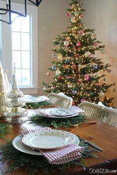 Christmas Home Tour - love this table setting with cedar placemats kellyelko.com #christmasdecor #christmas