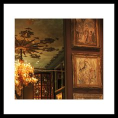 """@gucci: """"Heirlooms, paintings and curiosities from #TonyDuquette's home, a snapshot inside the new #GucciTailoring campaign.""""  https://twitter.com/gucci/status/780683084597456896"""