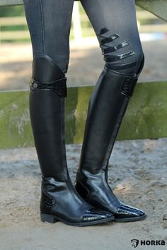 10+ ideeën over HORKA FAN | rijkleding, paardrij outfits