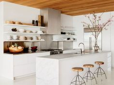 17+of+the+Most+Stunning+Modern+Marble+Kitchens+via+@MyDomaineAU