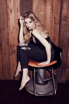celebrity feet pictures from Natalie Dormer Feet images) Natalie Dormer Feet, Hollywood Actresses, Actors & Actresses, Natalie Domer, Jon Snow, Rose Leslie, Beautiful People, Beautiful Women, Margaery Tyrell