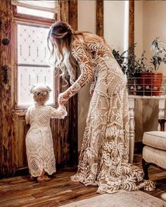 Beautiful and Smart Ideas for Bohemian Wedding Dresses – Hippie Bohemian Wedding Dresses, Hippie Dresses, Flower Girl Dresses, Flower Girls, Bohemian Mode, Bohemian Style, Boho Gypsy, Hippie Boho, Bohemian Lifestyle