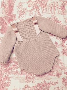 Body Rosa - Newborn Newbornbabies New Newbornbabies - Diy Crafts - Qoster Baby Knitting Patterns, Knitting For Kids, Baby Patterns, Diy Bebe, Retro Mode, Toddler Bows, Knitted Romper, Baby Sweaters, Baby Outfits