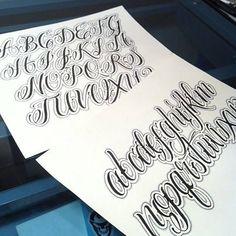 Tattoo Lettering Styles, Graffiti Lettering Fonts, Chicano Lettering, Hand Lettering Alphabet, Tattoo Fonts, Alphabet Fonts, Typography, Tattoo Script, Creative Lettering