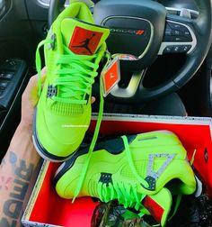 Jordan Shoes Girls, Air Jordan Shoes, Jordan Sneakers, Nike Air Shoes, Shoes Sneakers, Jordan 1, Womens Fashion Sneakers, Sneakers Women, Nike Fashion