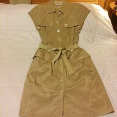 To the Max Tan dress, Size 4 This To the Max knee-length dress is great! Lots of interesting details like cute button down belt loops, a removable and reversable belt (one side is a complimentary plaid pattern, the other side is same as the dress), and contrast stitching on the collar, sleeves, and hem. Even the back of this dress looks cool. Fabric is 60% rayon, 40% cotton. Like new condition. To the Max Dresses