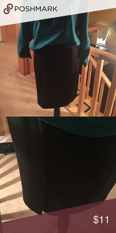 "LOFT black skirt Size SM LOFT brand size SMALL black A-line skirt sits 18"" from waist. 3"" back slit with zip closure. Made of poly, rayon, spandex. Great condition, smoke free home! LOFT Skirts Midi"