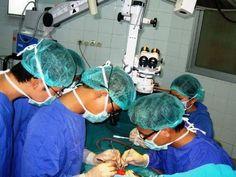Ca phẫu thuật lịch sử cứu bệnh nhân bị ĐỨT RỜI dương vật và tinh hoàn