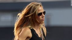Sheryl Crow: Brain tumor is a 'bump in the road'