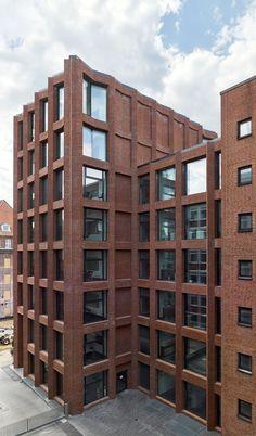 Max Dudler Architekt, Stefan Müller · Drägerwerk House 72. Lubeck, Germay · Divisare