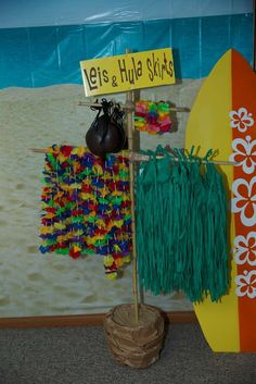 Luau / Hawaiian Birthday Party Ideas | Photo 5 of 18 | Catch My Party More
