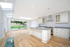 5 bedroom terraced house for sale   in Wandsworth Bridge Rd, Fulham/Parsons Green, London
