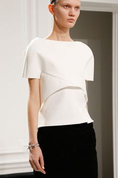 Even tho this might not look good on everyone, I love the architectural look of this top. Balenciaga F/W 2013