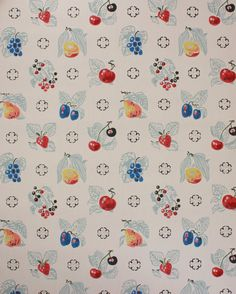 1940's Vintage Wallpaper Fruit on White Apples by RosiesWallpaper