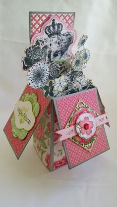 Pop up box card with stamped paper flowers #cards