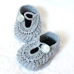 Sample SALE  Knitted Little Baby Shoes Boy and Girl (sizes 3-6 months)