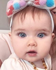 Cute Baby Girl Images, Baby Images, Cute Baby Pictures, Baby Photos, Beautiful Children, Beautiful Babies, Mom And Baby, Baby Love, Twin Babies