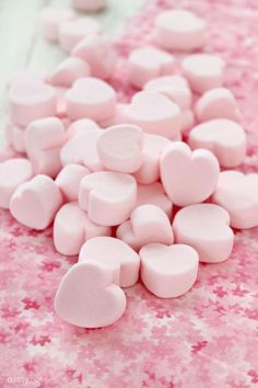Have a pink marshmallow heart! Soft Pink Color, Pink Love, Pastel Pink, Pink Pink Pink, White Colors, Pink Sugar, Pastel Art, Purple Yellow, Soft Colors