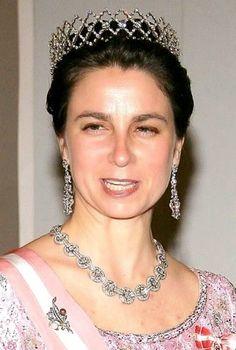 Isabel, Duchess of Braganca, wearing a diamond tiara and matching parure. Royal Crowns, Royal Tiaras, Tiaras And Crowns, Portuguese Royal Family, Adele, Diamond Tiara, Diamond Jewelry, Princess Elizabeth, Royal Jewelry
