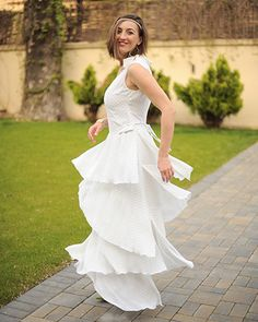 """Rochie lungă cu volane """"Riding Californian waves"""" - Colors Of Love City Vibe, Love Affair, White Dress, Waves, Fresh, Boho, Wedding Dresses, Collection, Style"""