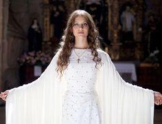 Michelle Jenner - Coronacion Isabel 01
