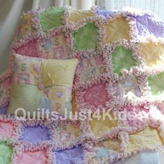 Baby Rag Quilts, Girls Quilts, Flannel Rag Quilts, Crib Quilts, Denim Quilts, Quilting For Beginners, Quilting Tutorials, Quilting Projects, Sewing Projects