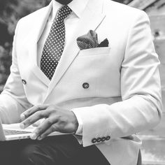 10 things every Dapper man needs.  1) A discrete and elegant Watch. From Wood & Sea maybe? 2) A well-fitting suit. 3) Underwear without holes 4) Leather Wallet. 5) Nice leather Shoes. 6) Classic Sunglasses. 7) Electric Shaver or Shaving kit. 8) Nail-scissors 9) Nose hair trimmer 10) A fragrant Perfume  Did we miss anything?  #
