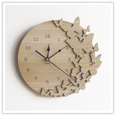 Wooden Clock. What would it look like using different wood pieces instead of butterflies?