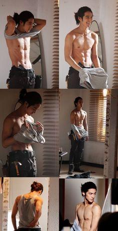 Damn that body Korean Men Hair, Asian Men Long Hair, Korean Boys Hot, Sexy Asian Men, Asian Men Fashion, Asian Guys, Sexy Men, Male Body Hot, Perfect Man Body